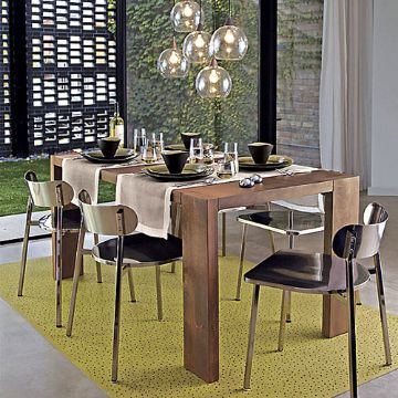 Picture of Elegant Dining Table