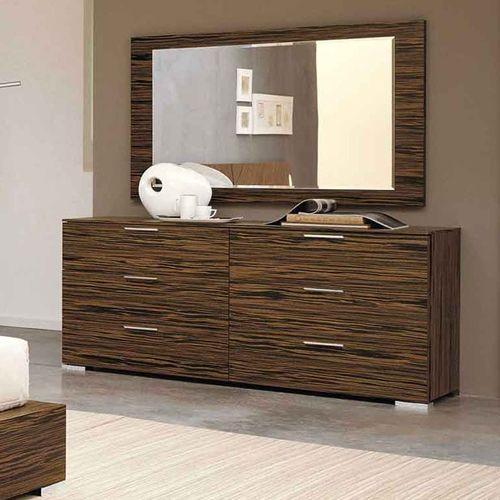 Picture of Clean Bedroom Dresser
